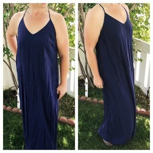 Old Navy sleeveless v neck maxi dress